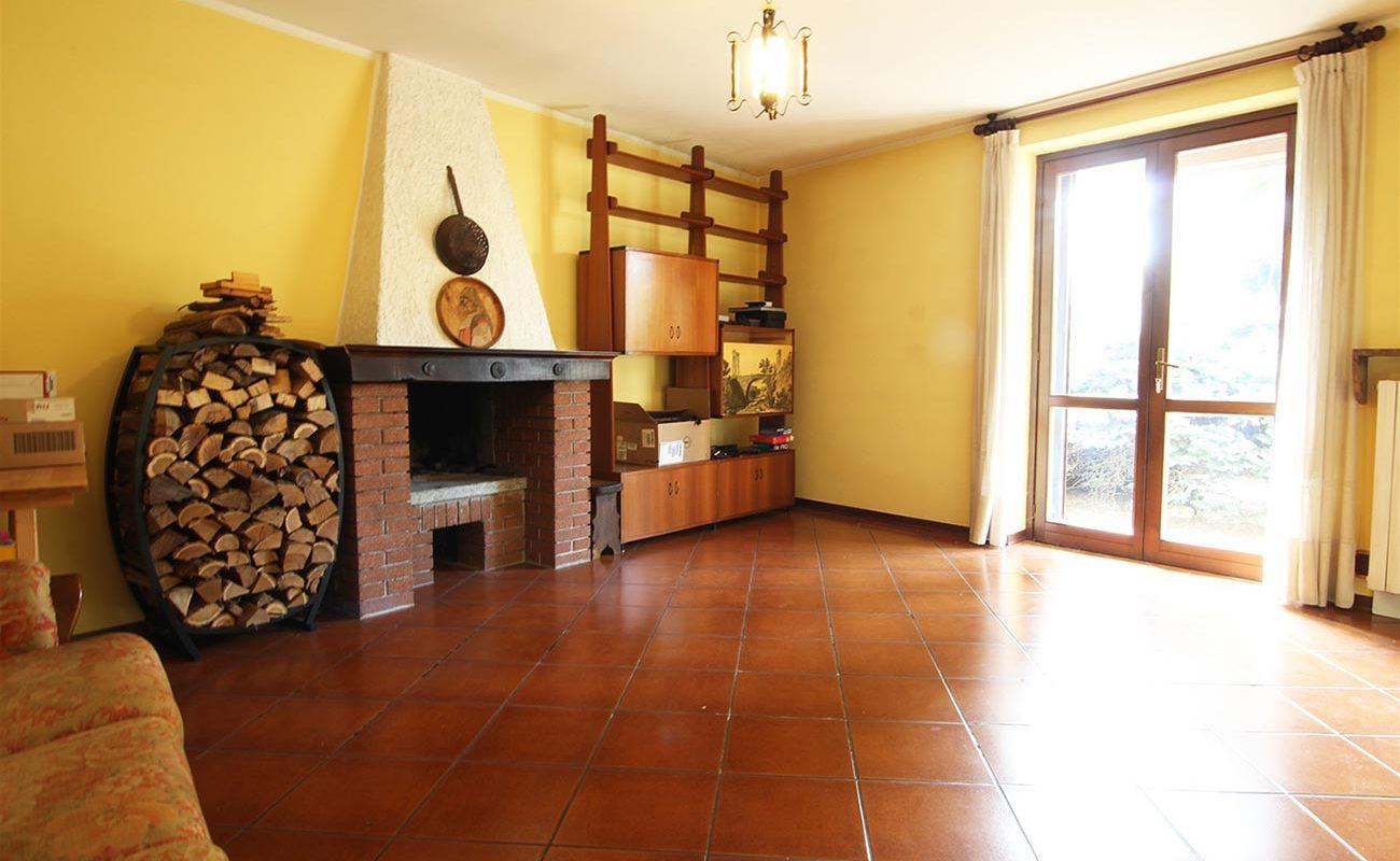 Villa semindipendente con giardino a Novara