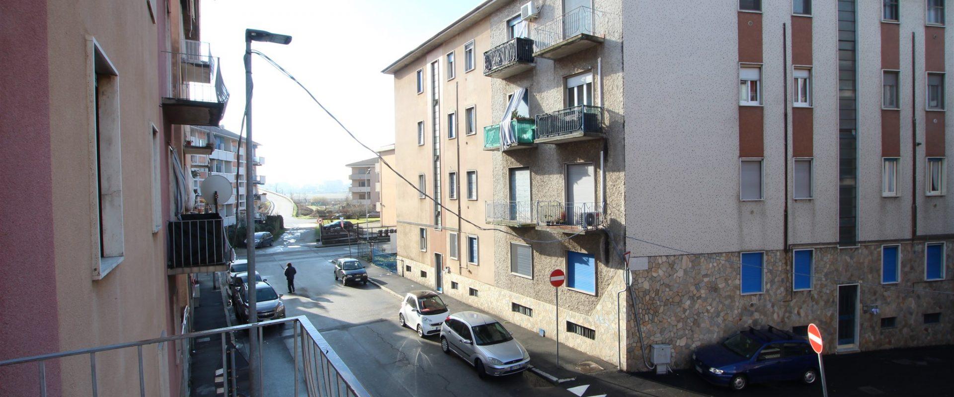 Trilocale da ristrutturare a Novara