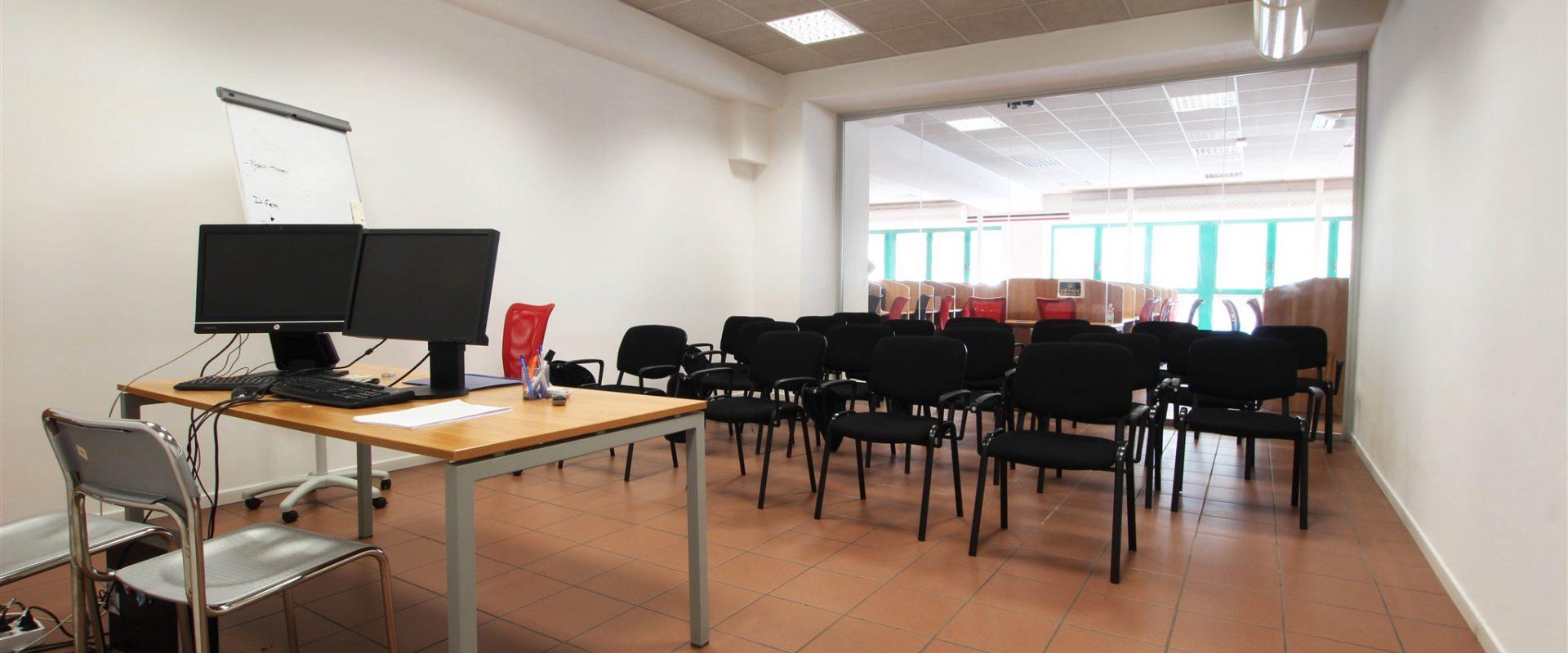 Ufficio polifunzionale di 378 mq a Novara