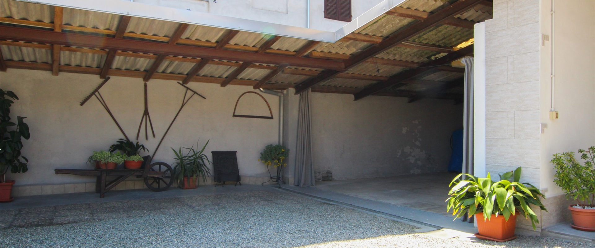 Trilocale con terrazzo a Galliate