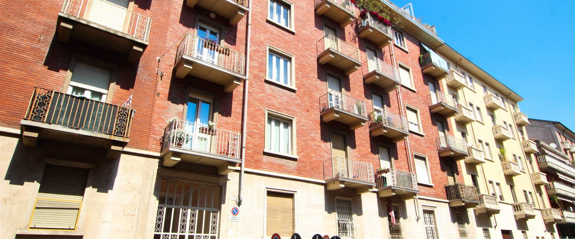 2 locali arredato a Torino