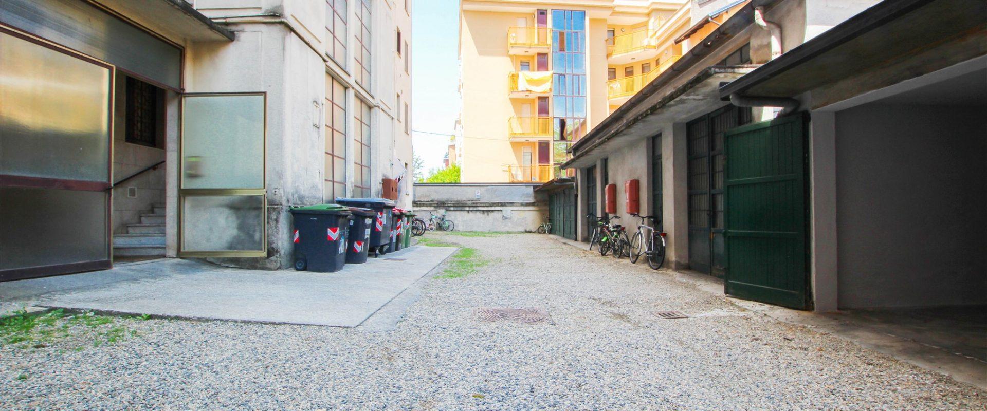 Box auto singolo a Novara